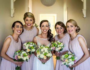 Classic wedding hair styles for beautiful bride